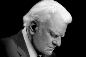 Billy-Graham-praying